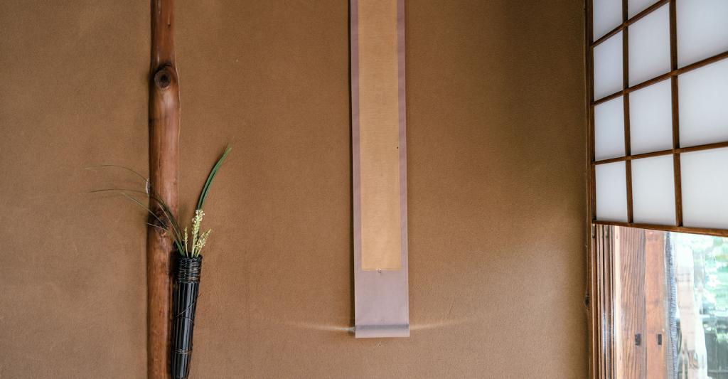 Ứng dụng của Stucco Nhật Bản khi kết hợp với cây xanh và vật dụng trang trí tường